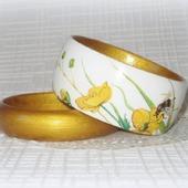 Белый и золотой браслеты