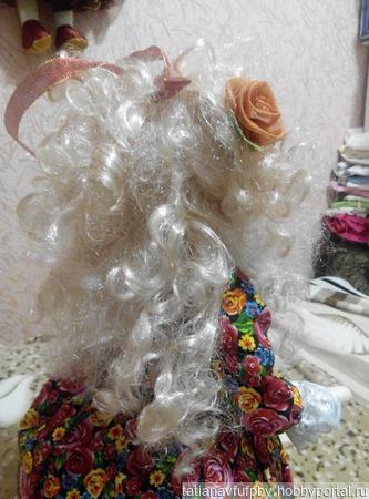 Лили - кукла грелка на чайник ручной работы на заказ