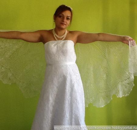 Свадебная шаль из мохера на шелке Ландыш ручной работы на заказ