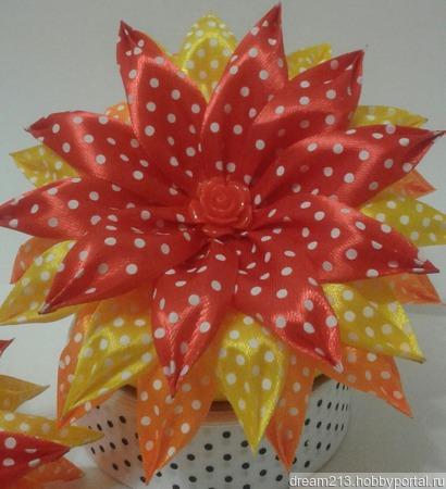 Хризантема большая ручной работы на заказ