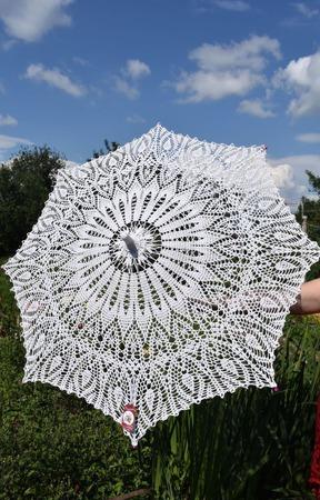 Вязанный  ажурный зонт ручной работы на заказ