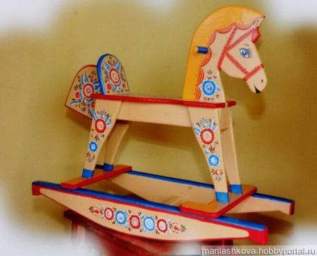 Лошадка-качалка деревянная ручной работы на заказ
