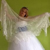 Свадебная шаль из мохера с пайетками Ландыши