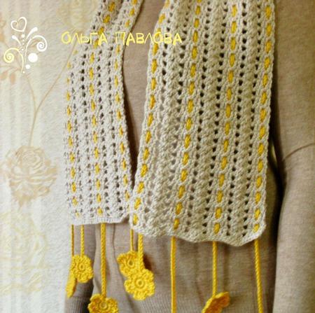Шарф вязаный с цветочками ручной работы на заказ