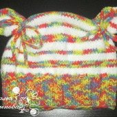 Полосатая шапочка для девочки