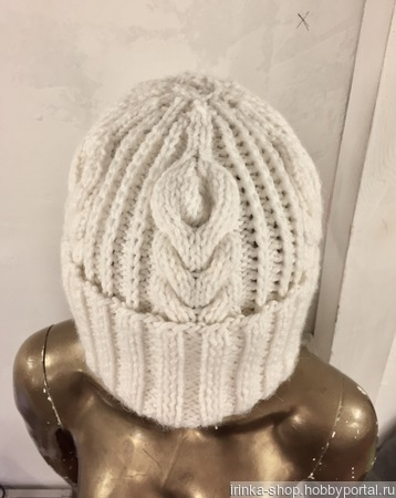 "Вязаная шапка ""Снежный уют"" ручной работы на заказ"