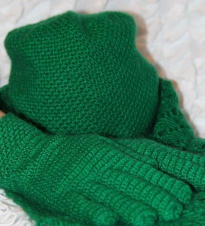 Мохеровый комплект (шапка, шарф, перчатки) ручной работы на заказ