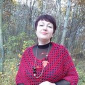 Пончо вязаное крючком Багряный закат винного цвета