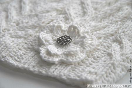 """Берет вязаный """"Белый цветок"""" ручной работы на заказ"""