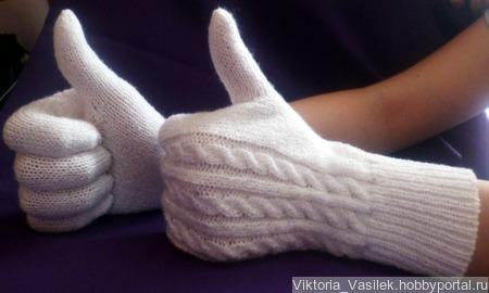 Комплект шапка и перчатки ручной работы на заказ