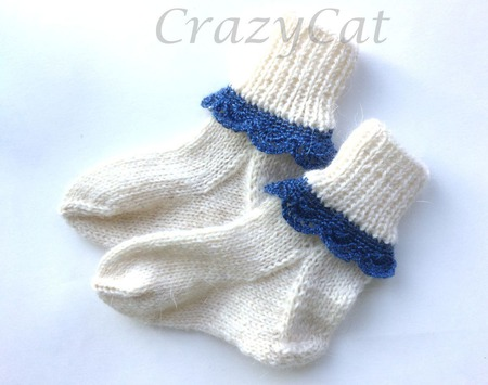 Носочки из шерсти с ажурной каймой ручной работы на заказ