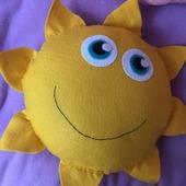 Декоративная подушка-игрушка Солнышко