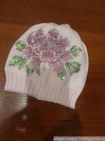 Хлопковая шапочка с авторским декором из страз р. 52-54 ручной работы на заказ