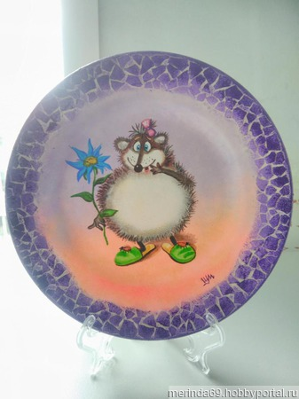 """Декоративная тарелка   """"Забавный ёжик"""" ручной работы на заказ"""