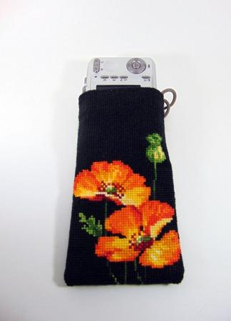 Вышитая чехол-сумочка для телефона ручной работы на заказ