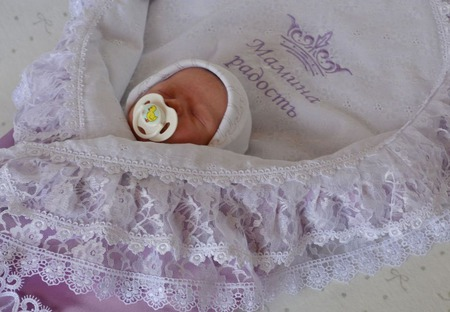 Уголок для новорожденного. Уголок на выписку сирень. ручной работы на заказ
