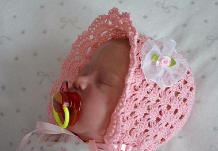 Шапочка - чепчик для новорожденного ручной работы на заказ