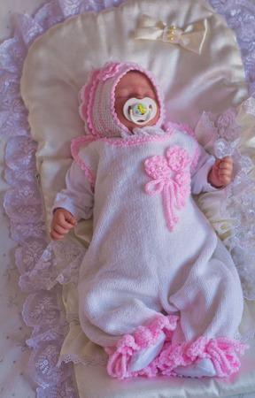 """Комплект для новорожденного  """"лапочка"""" шапочка, комбинезон и пинетки ручной работы на заказ"""