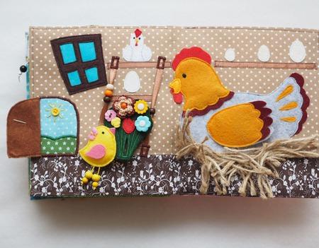 """Развивающая книжка """"Сказка про Цыпленка"""" ручной работы на заказ"""