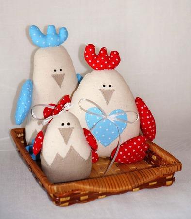 Игрушки из ткани - семья петушков ручной работы на заказ