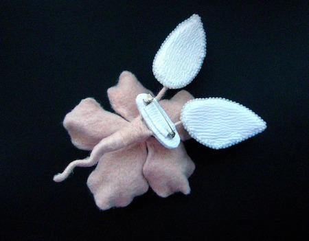 """Брошь-цветок на каркасе """"Нежность"""" ручной работы на заказ"""