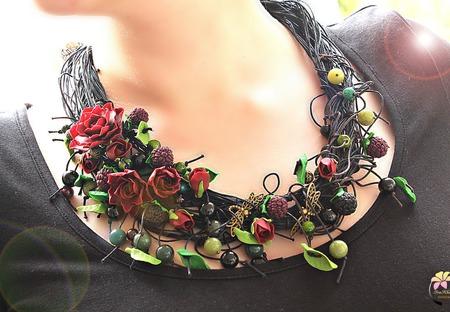 """""""Dark forest""""  колье на вощеных шнурах с цветами ручной работы на заказ"""