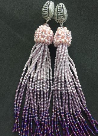 Серьги-кисти из бисера и кристаллов ручной работы на заказ