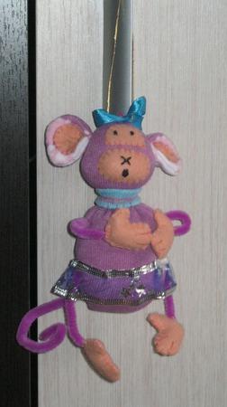 """Игрушка-подвеска из носков """"Весёлая обезьянка"""" ручной работы на заказ"""