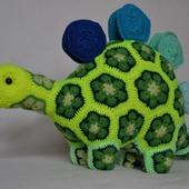 Динозавр (стегозавр) Стегоз. Африканский цветок.