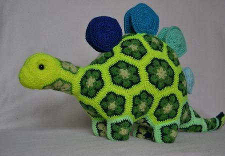 Динозавр (стегозавр) Стегоз. Африканский цветок. ручной работы на заказ