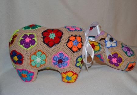 Бегемотиха Глория. Африканский цветок ручной работы на заказ