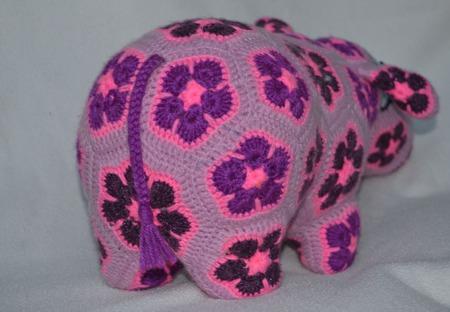Бегемотиха Дори. Африканский цветок ручной работы на заказ