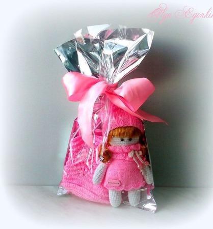Пинетки и куколка (комплект) ручной работы на заказ