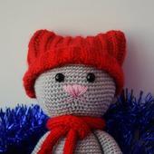 Мягкая игрушка Котик в шапочке