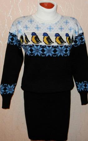 Платье - свитер вязаное Птичка синичка ручной работы на заказ