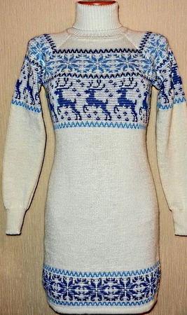 Вязаное платье-свитер Снегурочка с оленями и норвежским орнаментом ручной работы на заказ