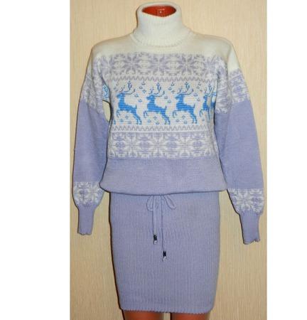 Платье - свитер вязаное Зима с оленями и норвежским орнаментом ручной работы на заказ