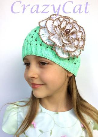"""Шапка вязаная """"Casual"""" в мятном цвете, шапочка вязаная с цветком ручной работы на заказ"""