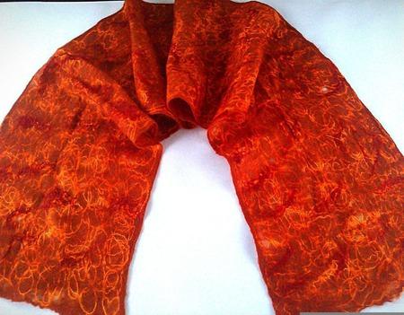 Терракотовый валяный  шарф-паутинка ручной работы на заказ