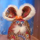 Сувенир -зайка из Павлов-Посадского платка