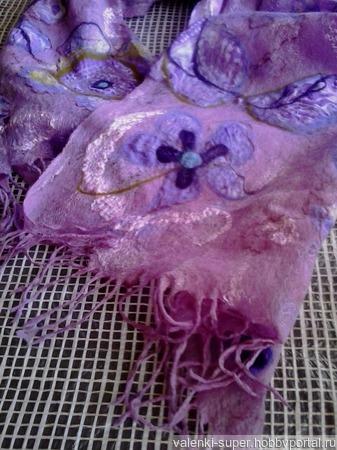Палантин- паутинка Сиреневая мечта ручной работы на заказ