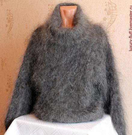 """Пуховый свитер """"Летучая мышь"""" ручной работы на заказ"""