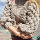 Вязаный свитер женский ручной работы