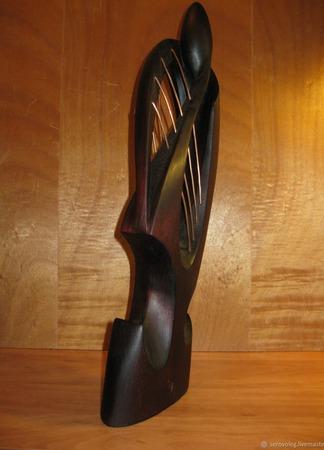 Скульптура из дерева Виоло (посвящение М.Растроповичу) ручной работы на заказ