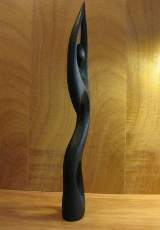 Скульптура из дерева Сальвадора ручной работы на заказ
