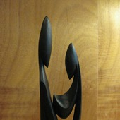 Скульптура из дерева Материнство