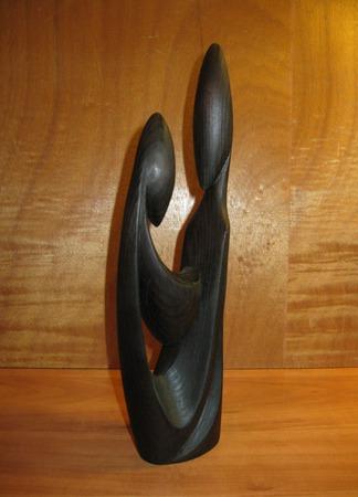 Скульптура из дерева Материнство ручной работы на заказ