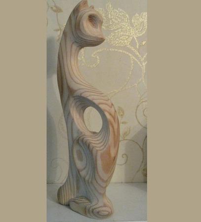 Скульптура из дерева Кошка Буся ручной работы на заказ