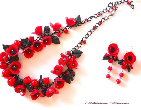 Комплект с маками Черно - красный ручной работы на заказ