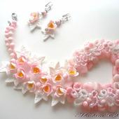Колье с крокусами и натуральными камнями Розовый бриз